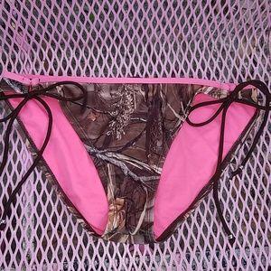 Camouflage bikini bottoms